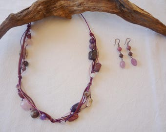 Necklace and earrings with stones