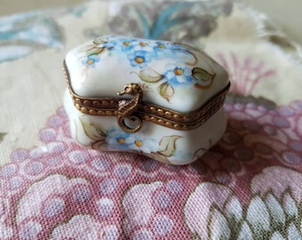 Exquisite Antique French Art-Deco Hand-Painted & Signed MC Limoges Oblong Porcelain Trinket Box Circa,1930's.-Forget me Nots,Beaded Rims