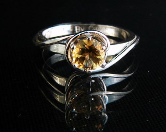 Love Knot - Citrine gemstone ring