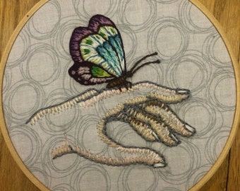 """Butterfly hand """"6 Hoop Embroidery"""