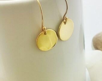 Elegant Gold Earrings,  Gold Disc Earrings, Dangle Earrings in shiny or hammered disc earrings , Minimalist earrings , gift for women