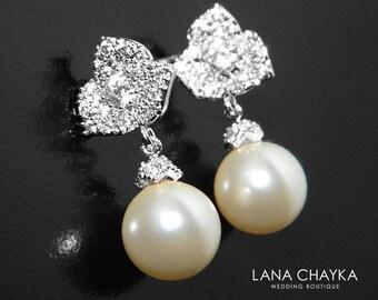 Pearl Bridal Earrings, Swarovski 10mm Pearl Silver Earrings, Ivory Pearl Flower Stud Earrings Bridesmaid Earrings Pearl Drop Wedding Earring