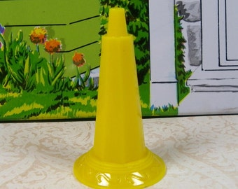 "MARX BIRDBATH BASE only, 1950's, Hard Plastic, 3/4"" Scale, Vintage Metal Dollhouse Yard"