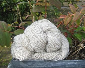 Handspun Alpaca Yarn & Soft Wool  234-yds 2.95-oz One Skein Light Worsted Thick Thin 'Julian Alpaca' Beige Knit Crochet Weave My Farm 2-ply