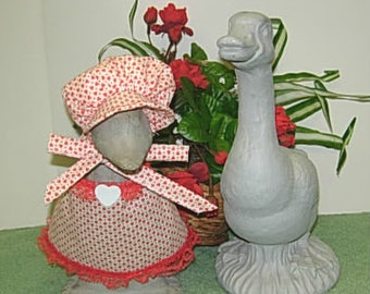 """Valentine's Day outfit for 8 1/2"""" gosling geese"""