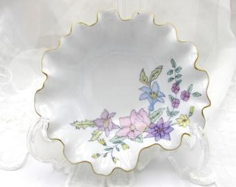 Oyster Shaped Porcelain Tidbit Dish, Hand Painted Ruffle Edge Dish, Pastel Flowered Nut Candy Dish, Ruffle Edge Soap Dish