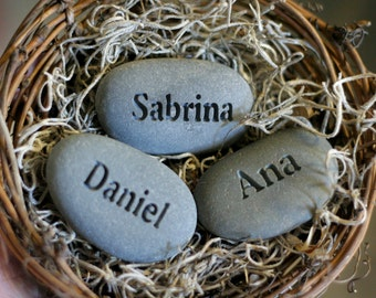 Mother, Grandmother Gift - Personalized Mother's Nest - Set of 3 engraved name stones in bird nest - Mom's Nest (c) by sjEngraving