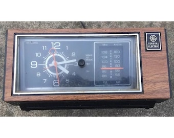Vintage G.E. Clock Radio General Electric 7-4553D AM/FM Alarm Wood Grain WORKING