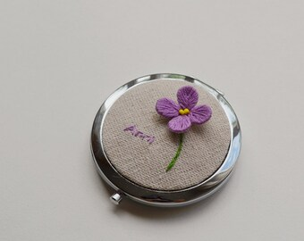 Personalized mirror/hand embroidery compact mirror/multiple color/personalized flower mirror/ floral mirror/stumpwork/hand embroidered