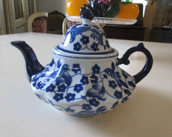 BLUE and WHITE TEAPOT with Lid