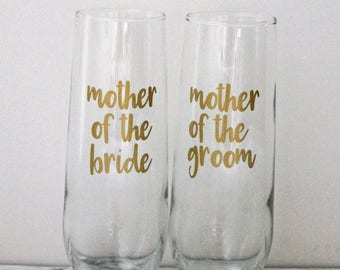 Mother of the Bride Mother of the Groom Stemless Champagne Flute Set of Two Mom Wedding Favor Wedding Day Glass Mimosa Glasses Mother Gift