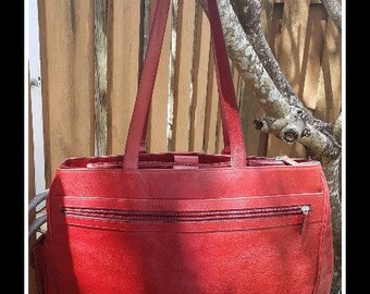 Vintage Leather Red bag , Made by El Portal Leather , Large Leather , Plenty of room for all your goodies