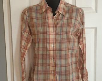 Vintage 1970s/80s super thin women's plaid button-up shirt