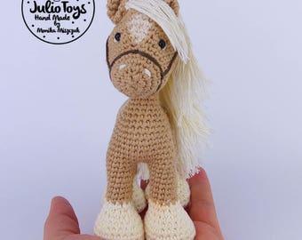 Palomino horse - crochet toys