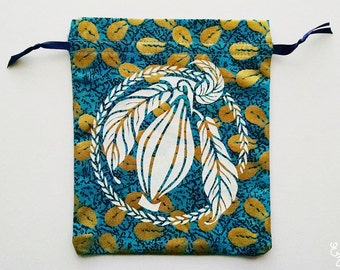White and Blue Cacao Drawstring Pouch