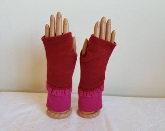 Colorblock Ruffle Fingerless Gloves in Red Rust and Fushia Pink Cashmere