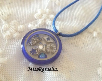 Floating charm Blue locket.