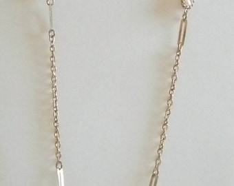 Gold Tone Chain Necklace With White Pearls