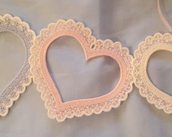 Free Stamding Lace Hearts