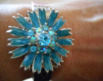 Blue crystal steel flower  cuff