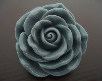 Discount Special : 45mm Grey Resin Rose Flower Beads (2x)
