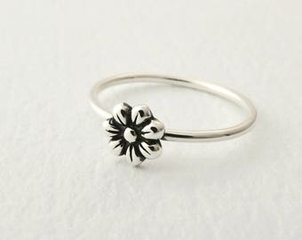Sterling Silver Daisy Stacking Ring - Thin Stackable Sterling Silver Flower Band - Dainty Silver Daisy Ring