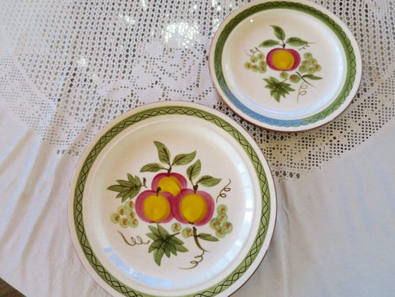 & Vintage Stangl Pottery Apple Delight Plates Hand Painted Red