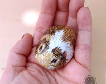 3D guinea pig painted stone, pig painting rock, 3d painted stone, painted rodent rock, rodent lovers, small animal art, pig pebble art
