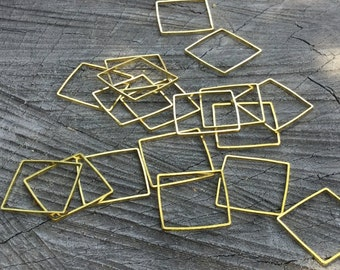 Brass Square Link - 36 Pieces - #219