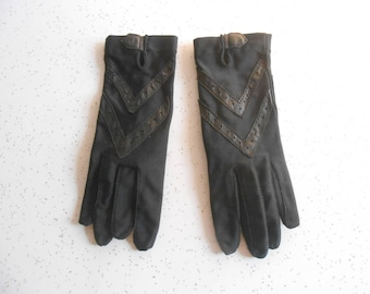 Vintage Isotoner Driving Gloves for Hands Beautiful by Aris Women's Black Color Unlined Driving Gloves One Size 60's Era
