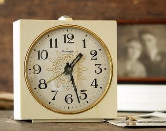 White Vintage Clock - Alarm Clock - Mechanical Clock - Working Retro Clock - Wind Up Clock - Old Desk Clock - Gift For Mom