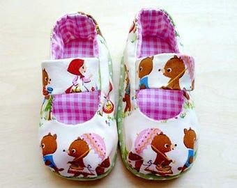 Baby Shoes, Infant Shoes, Newborn Shoes, Baby MaryJanes, Prewalker Maryjanes, Baby Shower Gift, Baby Booties - Goldilocks And Three Bears