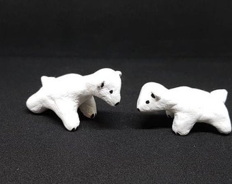 Polar bear family, mother and child