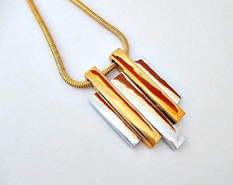 Avon SM Kent Designer Jewelry Necklace - Avon 1970's Designer Jewelry