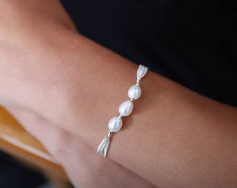 Three Pearl Bracelet - Bridal Bracelet - Pearl Bracelet - Wedding Bracelet - Bridal Jewellery - Bridal Jewelry - June Birthstone