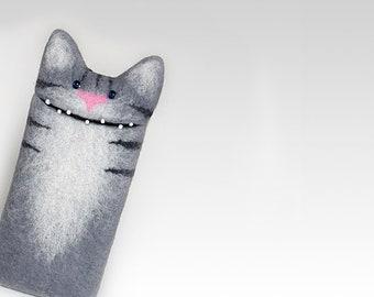 Unique Google pixel 2 case, Google Pixel 2 xl case, Personalized Cat case, pet lovers gift, felt Cat portrait, gray cover, Handmade