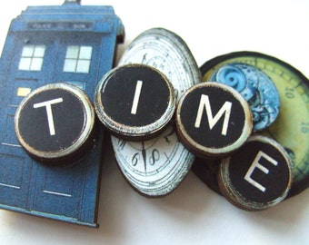 Doctor Who, Dr.Who , time travel, TARDIS, wood, watch,  blue and brown,TIME, Brooch, space, key,  by NewellsJewels on etsy