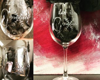 Let it go wineglass, handpainted, Frozen inspired, sparkly snowflake, top rack dishwasher safe!