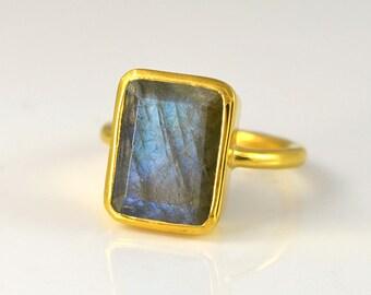 Labradorite ring - Large rectangle ring - Faceted natural gemstone ring - Vermeil Gold or sterling silver - bezel set ring - stacking ring
