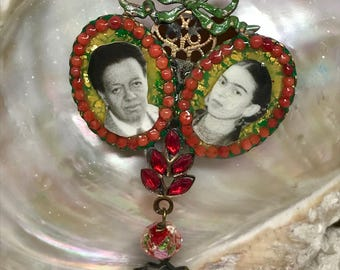 Lilygrace Green Frida and Diego Brooch Cameo with Gold Leaf, Coral and Vintage Rhinestones