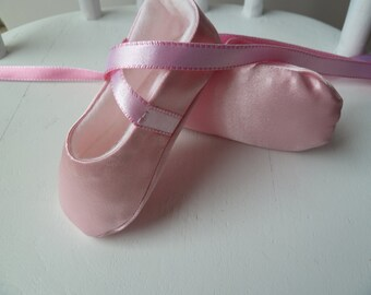 Baby Girl Shoes - Infant Ballet Slippers in Pink Satin -  Handmade Ballet Shoes for Infant Girl - Ballet Flats - Baby Ballerina