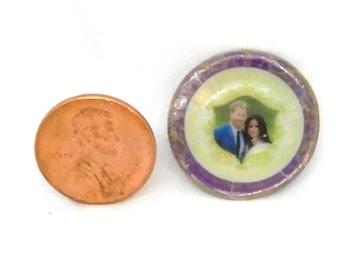 DOLLHOUSE MINIATURE - Harry and Megan Commemorative Plate 4