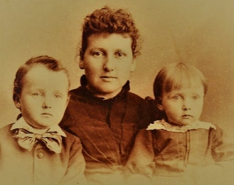 ON SALE Newark Ohio 1800's Family Portrait Mother and Children Antique Old Vintage Cabinet Card Photograph Photo