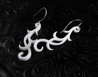 Boucle Earrings in white