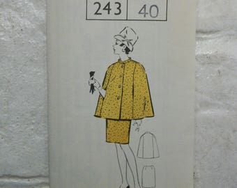 """Fab 1960s cape and skirt suit pattern bust 40"""" complete and unused"""