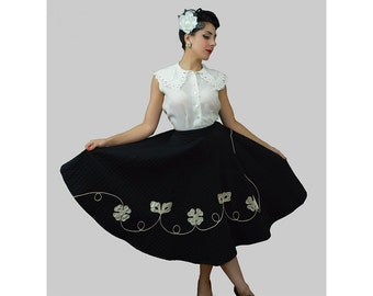 1950s Fashion / Vintage 1950s Black Quilted Circle Skirt / 50s Quilted Circle Skirt with flower embellishment