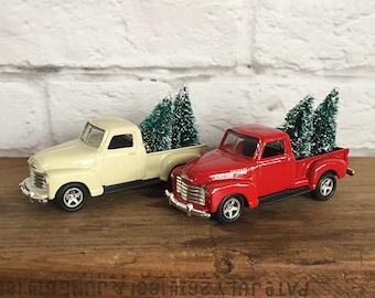 Ornement de Noël Vintage Chevrolet camionnette avec des arbres