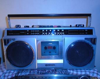 Vintage Sanyo M9802 Cassette/Radio Player 1980's