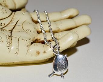 Robin Necklace, Little Bird Pendant, Bird Necklace, Robin Charm Necklace, Bird Lover Gift, Round Robin Necklace, Bird Jewelry, Robin Charm
