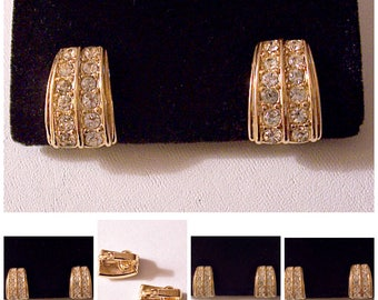 Trifari Crystal Double Row Button Clip On Earrings Gold Tone Vintage Small Curved Rib Lined Accent Discs
